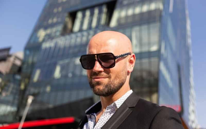 Do Women Find Bald Men Sexy